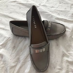 💫Never before worn silver coach penny loafers